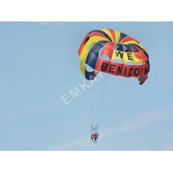 Parachutes / Paragliders